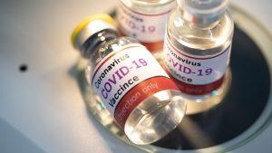 "Covid-19 injections are spreading new ""variants"" of coronavirus"