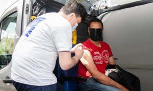 UK to Allow People Under 40 to Choose Pfizer or Moderna Coronavirus Vaccines Over AstraZeneca's