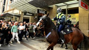 """Australia: Anti-Lockdown Protesters Labeled """"Filthy, Disgusting and Selfish,"""" Hunted Down"""